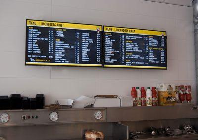 Digitale menuborden bij Voorhoutse Friet
