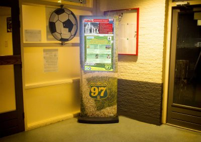 Advertentie informatie displayzuil Voorschoten 97