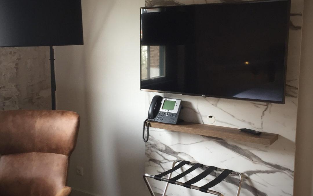 Hospitality tv's voor een nieuw schoolhotel van De Rooi Pannen